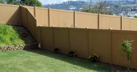 How to Remove Green Algae From Vinyl Fences | eHow.com